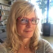 Stephanie Barbe Hammer